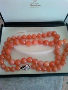Beautiful long necklace made from rose quartz - No reserve price
