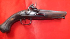 "Carriage pistol 18th century signed ""Gabriel TERRIER"""
