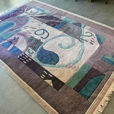 Phenomenal Nepalese Art Deco carpet with remarkable design – 250 x 175 – superb condition