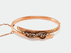 Antique Art Nouveau bracelet bangle with pearls, made of 333 rose gold 8 kt and red gold, around 1890