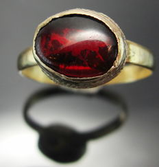 Ancient Roman Gold Ring with intact Gemstone - 17 mm - 1.892 g