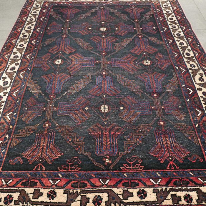 Rare dark Afshar Persian rug – 177 x 136 – unique appearance