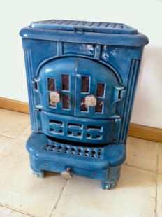 Godin enamelled wood stove, 1950s.