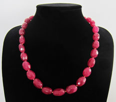 Faceted ruby necklace - 14 kt gold - approx. 485 ct.