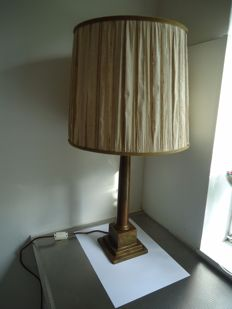 Table lamp with bronze foot and natural silk lamp shade, second half of 20th century