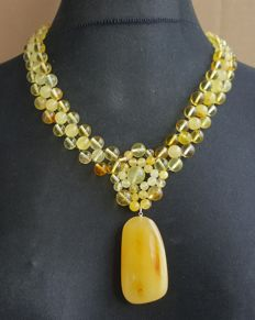 Authentic natural Baltic Amber necklace with pendant yellow honey colour, 61 grams