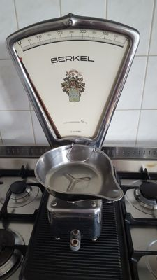 Rare Berkel type B chocolate weighing dish