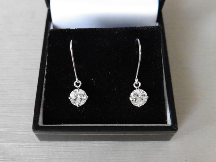 18k White Gold Drop Earrings - 1.00ct