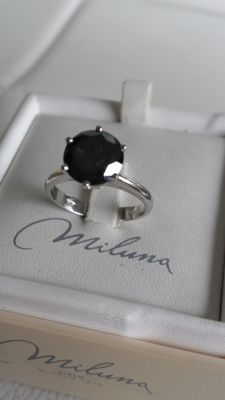 18 kt white gold solitaire ring with 2.5 ct black diamond – Size: 17 mm