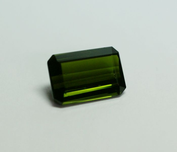 natural Tourmaline, yellowish-green - 4,12ct, No Reserve