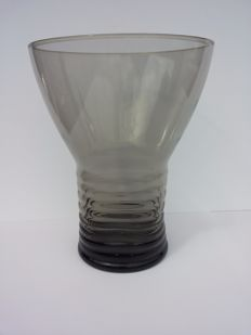 Andries Copier - ribbed vase (fumi smoked glass) cylindrical base