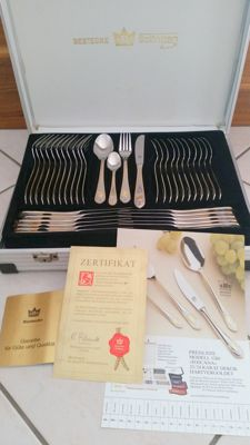 "SBS Solingen cutlery case, 70 pieces - ""Toscana"" Model - 18/10 stainless steel, 23/24 karat hard gold plated,"