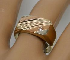 Men´s ring in 3 colours of 14 kt gold with 0.025 ct diamond - size 62