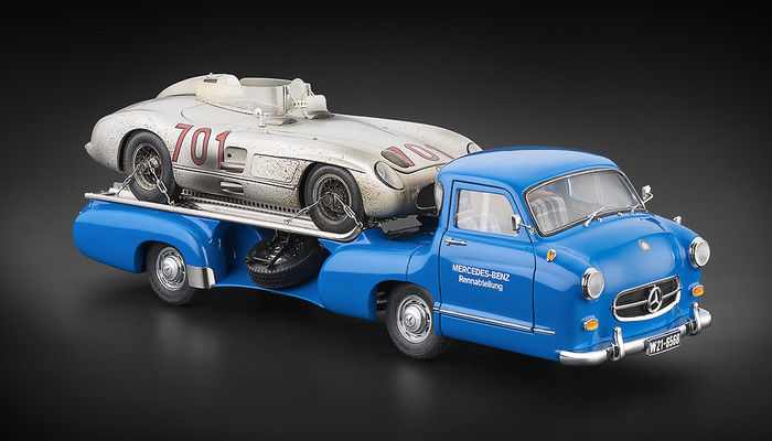 "CMC - Scale 1/18 - Mercedes-Benz Racing Car Transporter ""The blue Wonder"" & Mercedes-Benz 300 SLR #701 Dirty Version"