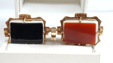 14 kt rose gold pendant set with an unengraved onyx/carnelian plate