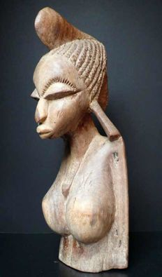 Large bust of Peul woman