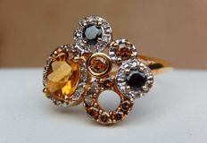 Ring with cognac, black and white diamonds + citrone on 18 kt yellow gold - size 55