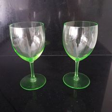 "A.D. Copier - 2x uranium green ""Gilde"" glass"