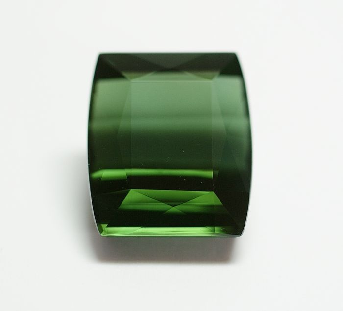 Turmaline, green  , 31.98  ct.