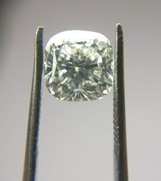 1.10 ct Cushion Modified Brilliant cut diamond H VVS1
