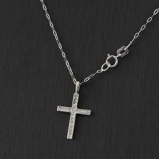 18 kt gold - Choker with cross pendant - Brilliant-cut diamonds - Pendant height: 20.95 mm - Chain length: 42 cm