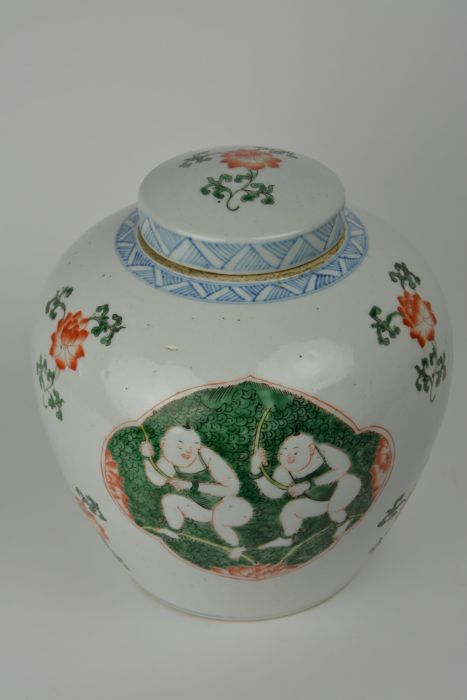 Famille verte ginger jar in porcelain - China - 19th century