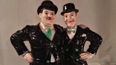 Wonderful statue of the iconic Laurel & Hardy - large - 53 cm high - second half 20th century - in good condition