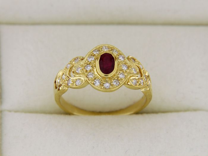 Bague OR jaune 18 Carats Rubis et Diamants 0.60 carat - Doigt : 52 - mise à dimension très facile -