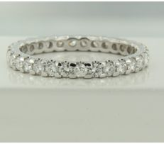 14k white gold full alliance ring set with 31 brilliant cut diamonds, approx. 1.15 ct in total, ring size 19 (60)