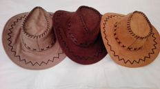 Lot of 3 country-style cowboy hats
