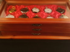 30 pocket watches Hachette collection with display cabinet