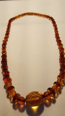Vintage amber necklace cognac honey coloured amber antique Königsberg cut 22 g