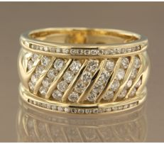 14 kt yellow gold ring set with 62 brilliant cut diamonds, approximately 1.50 carat in total, ring size 18.75 (59)
