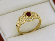 18 kt yellow GOLD ring, Ruby and Diamonds
