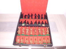 Chess set - Vintage - Don Quixote de la Mancha Marquetry handmade chessboard + case with chess pieces