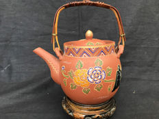 Chinese Yixing klei theepot met emaile - China - eind 20e eeuw