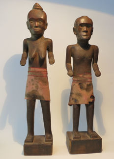 "Pair of protective figures ""Ana Deo"" - Lio people - Flores - Lesser Sunda Islands - Indonesia"