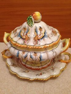 Lovely centrepiece with two handles with its vintage tray Capodimonte