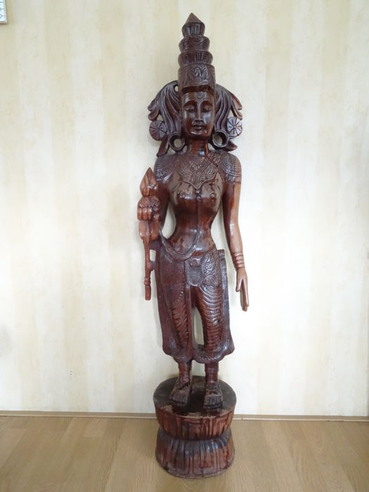 Large wooden Hindu statue of a woman – Sri Lanka – 2nd half 20th century