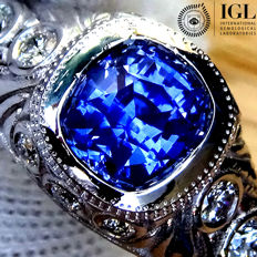 Natural Blue Sapphire And Diamond Cocktail Ring in 18 kt white gold 2.41 ct - Certified - No Reserve