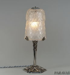 SCHNEIDER & CHERPION  - Art Deco lamp - nickeled bronze and moulded-pressed glass