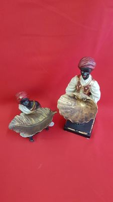 Set of Blackamoor serving figures - shell serving tray - Second half 20th century, United States