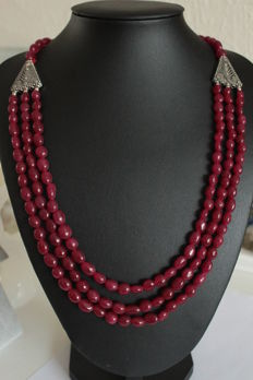 Necklace of 3 rows of natural rubies with Tibetan silver fancy work - 452 ct.