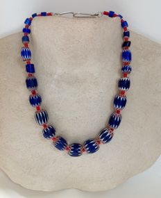 Necklace with mostly 6-layered chevron Venetian beads - Mali
