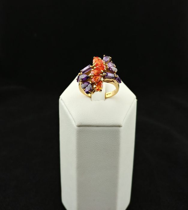 Gold ring (18 kt) with Madeira quartz and amethysts — size 13