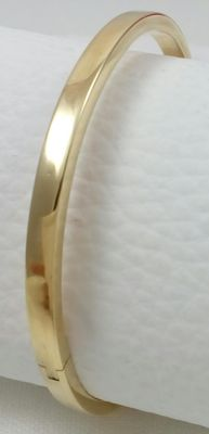 Rigid bracelet in 18 kt/750 yellow gold. Weight: 10.56 g