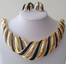 TRIFARI Ribbed Necklace and Earrings Set