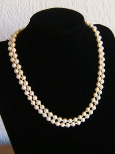 Double necklace made of cultivated pearls ca. 6.3 mm in diameter, 925 silver clasp