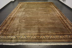 Magnificent hand-knotted oriental palace carpet, Sarough Mir, 305 x 400 cm, made in India, fantastic highland wool