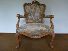 Walnut armchair with tapestry upholstery, in French Louis XV style second half of the 20th century
